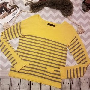 THE LIMITED YELLOW WITH GREY STRIPES TOP.  Sz M